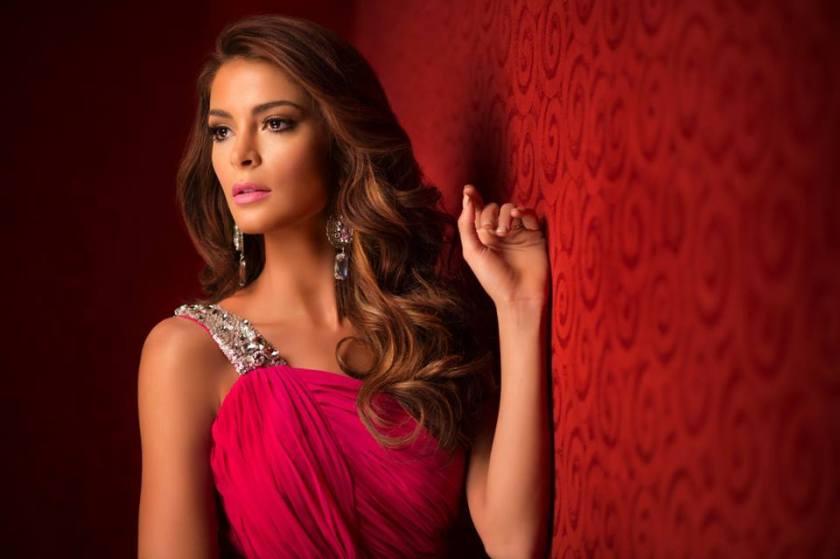 Laura Spoya, Miss Universe Peru 2015