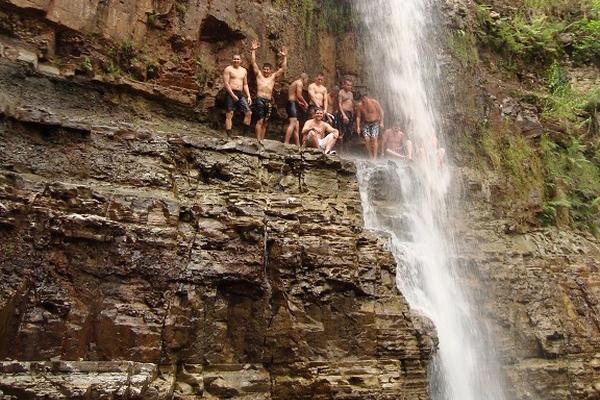 Tarzan Falls 2