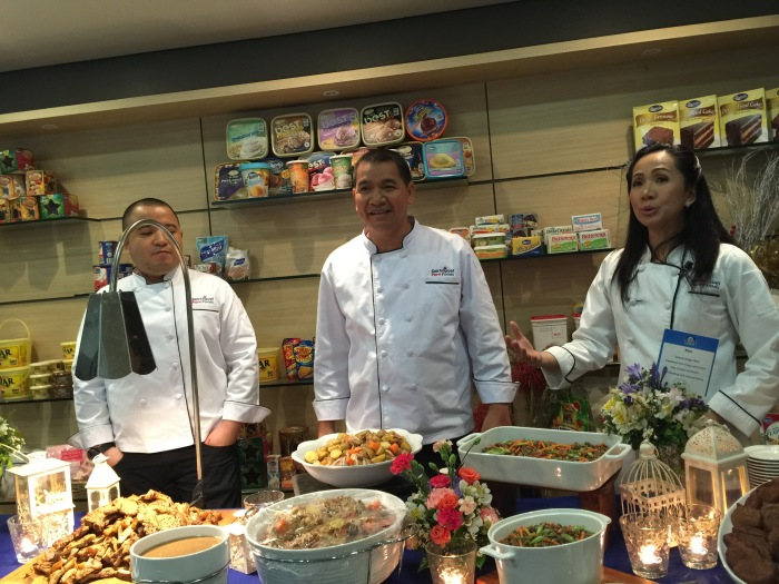 Couple Drew Arellano and Iya Villania with the chefs of San Miguel Pure Foods Culinary Center.