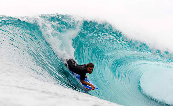 Puraran Beach has big waves that attract both professional and amateur surfers.