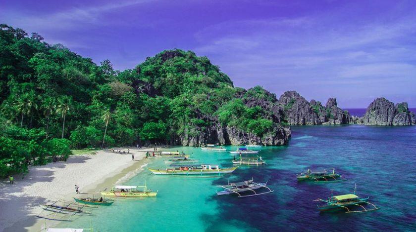 Matungkad Island in Caramoan