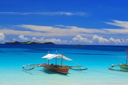 Boat in Calaguas Island, Bicol