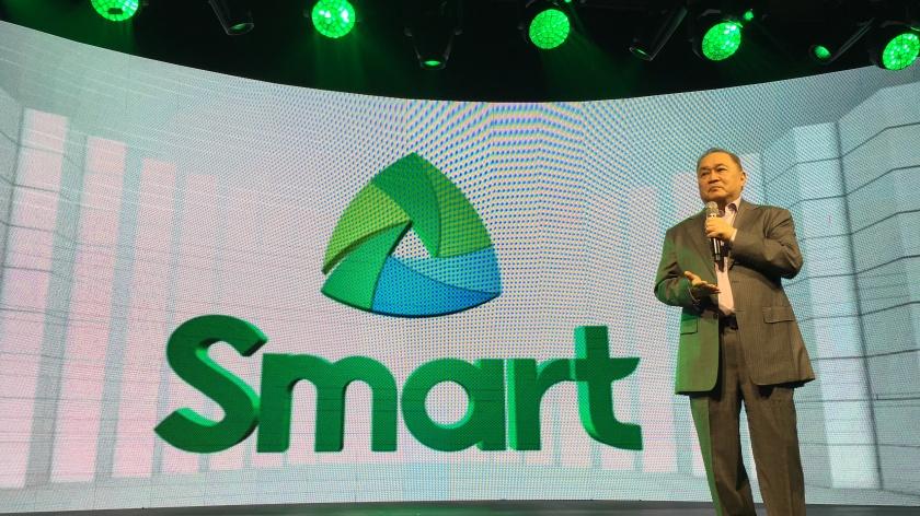 Manny Pangilinan during Smart Unbox Event