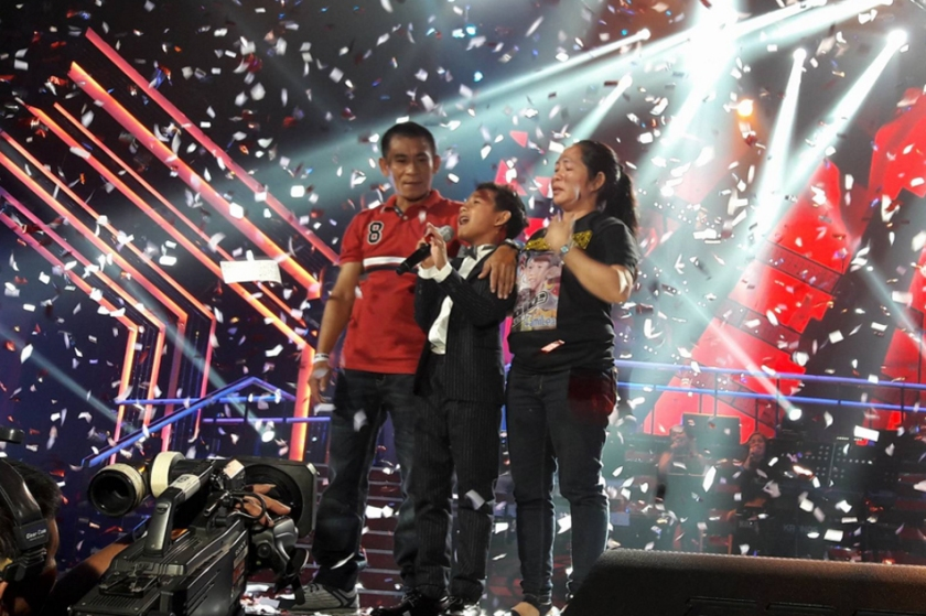 Joshua Oliveros of FamiLea wins The Voice Kids Philippines 2016