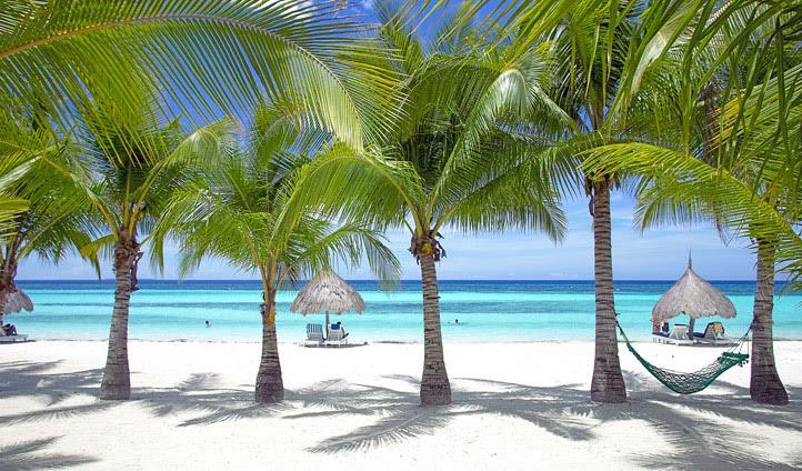 Alona Beach in Bohol