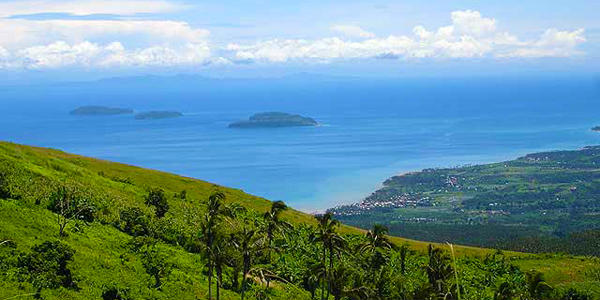 Tres Reyes Islands in Marinduque