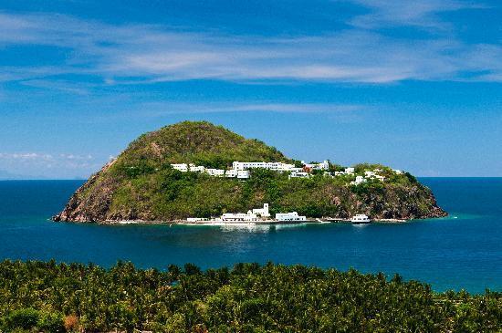 Marinduque's luxurious resort, Bellaroca is known for being a wedding destination in the Philippines.