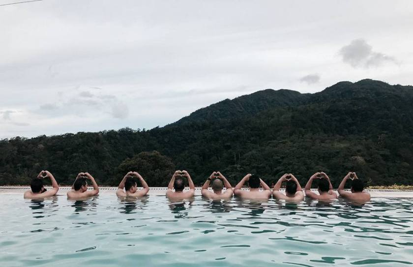 Vista Tala - The group enjoying the infinity pool