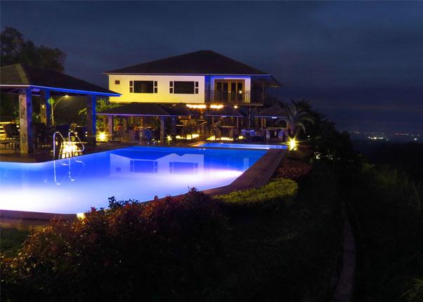 Vista Tala Resort and Recreational Park Orani Bataan - Infinity Pool at Night