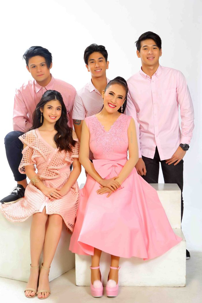 Bes and the Beshies cast family