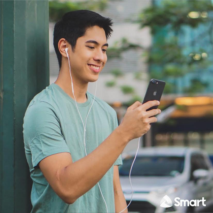 Smart iPhone 8 human